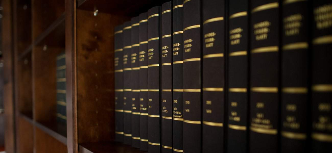 Rechtsanwalt Walch in Regensburg- Büchersammlung